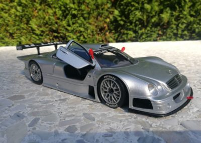 MERCEDES CLK-GTR STREET VERSION 1/18